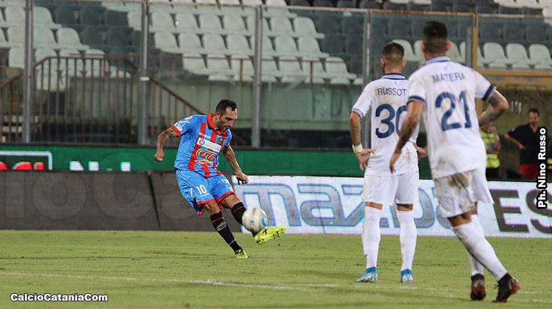 25 Settembre 2019: Ciccio Lodi scocca la sua ultima punizione-gol in rossazzurro...