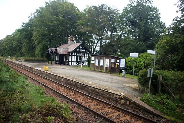 Dunrobin Castle station