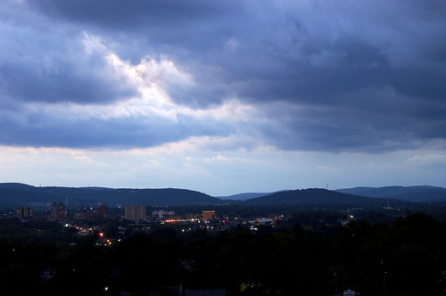 binghamton newyork susquehannarivervalley appalachianmountains autumn evening twilight eveninglight clouds landscape city lights sunset coloredsky