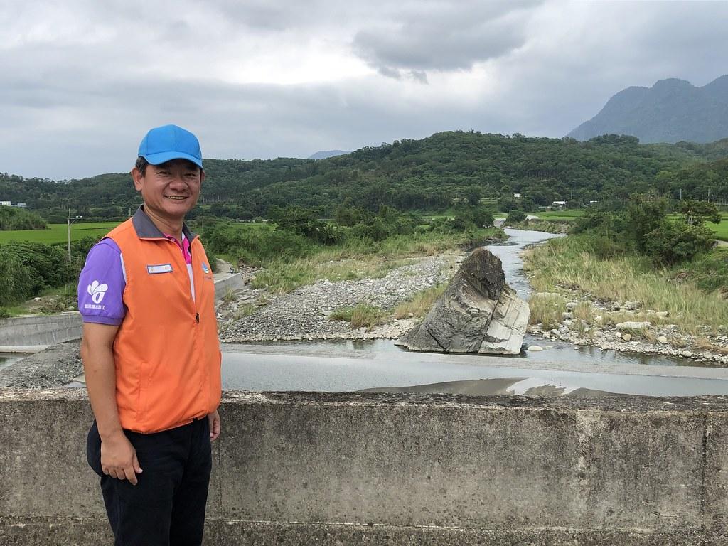 九河局長謝明昌停掉公園化景觀設計的規劃案,與居民共學更具生態系服務功能的鱉溪治理。攝影:廖靜蕙