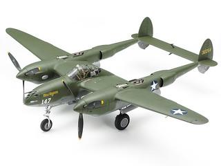 二次大戰之空中叉尾惡魔再現!田宮模型 TAMIYA P-38 閃電式戰鬥機(ロッキード P-38F/G ライトニング)