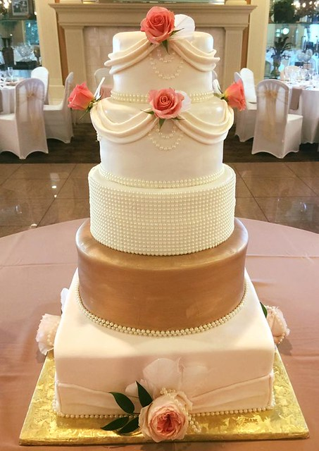Cake by Laulie Cakes