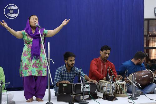 Devotional song by Sushila Sai