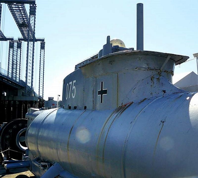 Seehund German Midget Submarine 00004