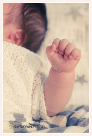 赤ちゃんの手 アップ写真