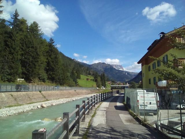 392 DOLOMITI IN VAL DI FASSA - TRENTINO ALTO ADIGE - ITALIA - SUD TIROL - TORRENTE AVISIO