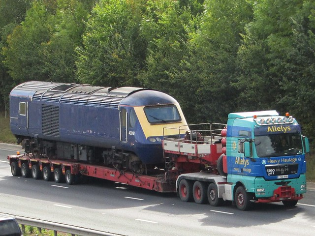 Allelys Heavy Haulage, M.A.N V8 (T700AAH) With Locomotive 43018.