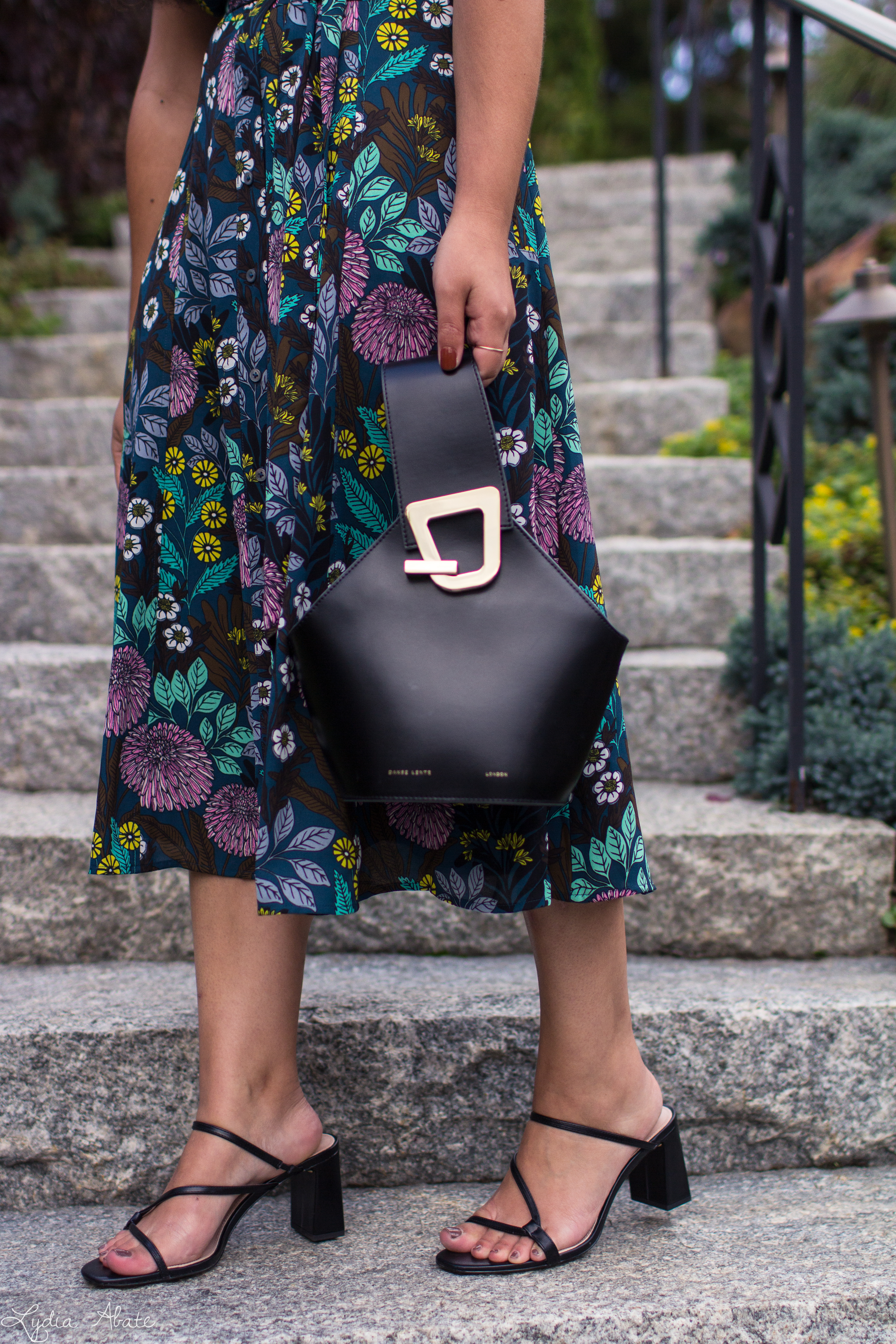 dark floral shirtdress, black strappy sandals, danse lente bucket bag-9.jpg