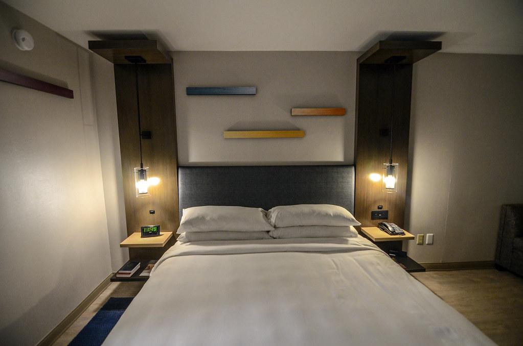 Anaheim Marriott bed