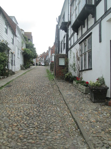 hilly street, Rye