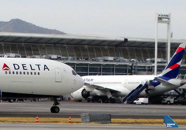 Delta B767-300ER LATAM B787-9 (RD)