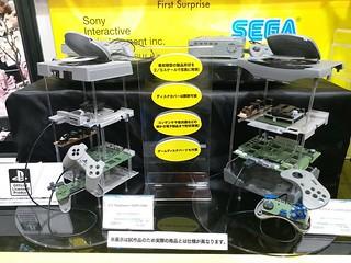 【全日本模型 HOBBY SHOW】初代 PLAYSTATION 與 SEGA SATURN 主機模型化?BANDAI SPIRITS 破天荒合作產品