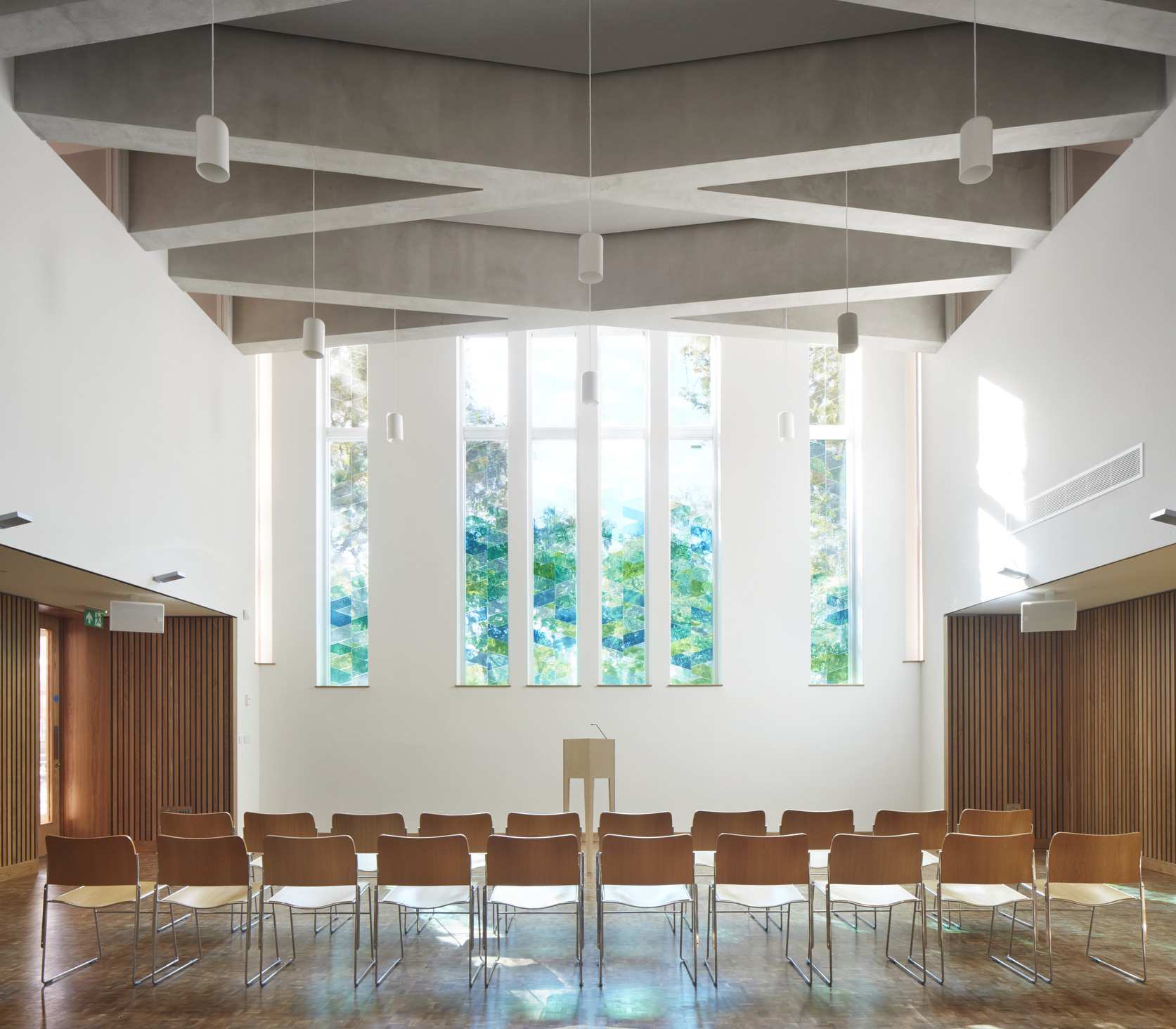 Presidents' Awards 2019 Highly Commended -  Bethnal Green Mission Church - Main Worship Space - Gatti Routh Rhodes Architects -  Photo by Jack Hobhouse