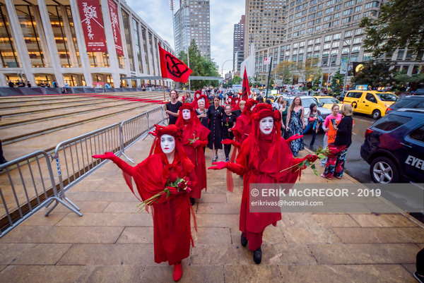 XR Red Rebel Brigade disrupts NYC Ballet Gala