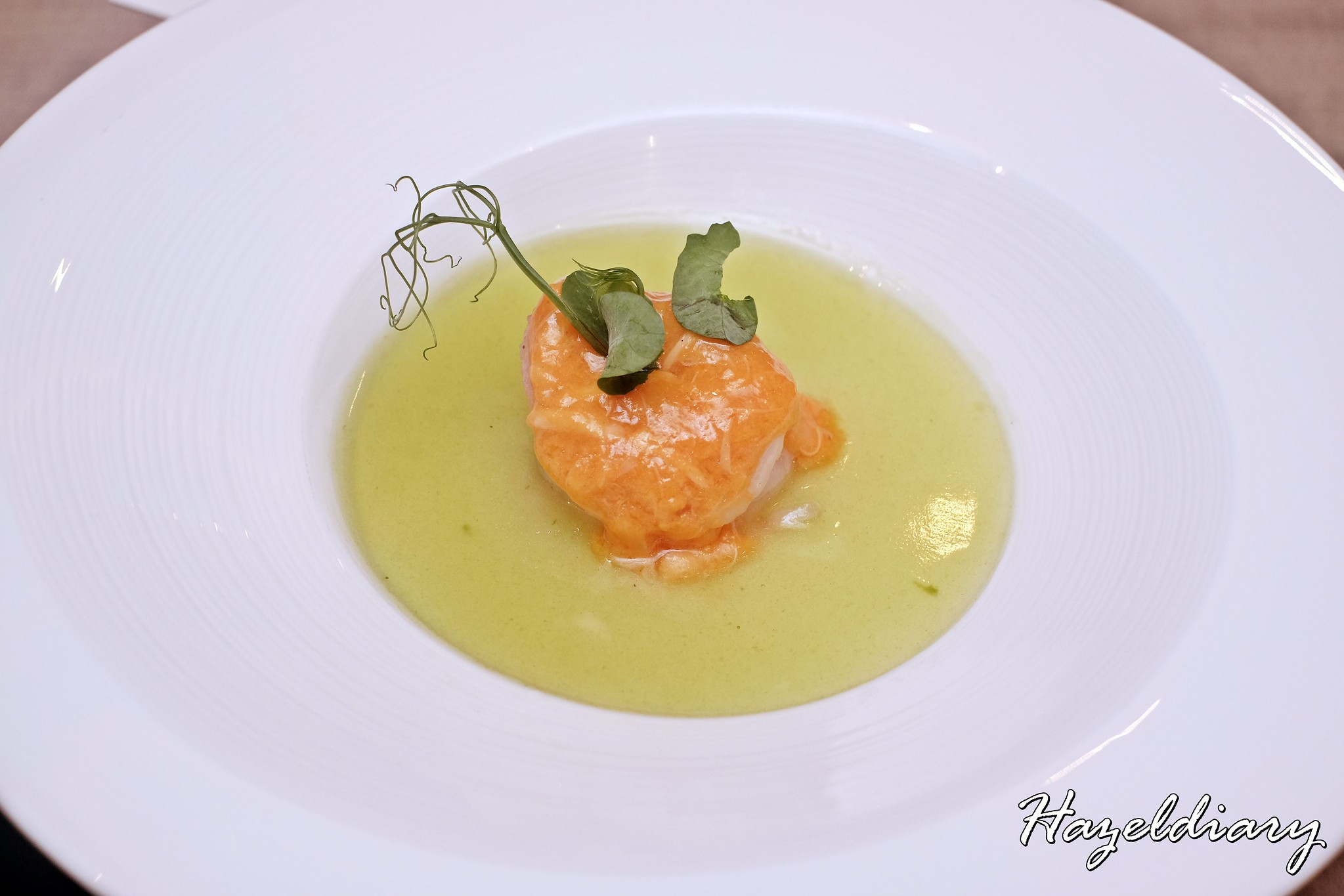 Jiang Nan Chun-Four Seasons Hotel Singapore- Winter Menu 2019-Steamed Prawn with Crab Roe and Jade Sauce on Egg White