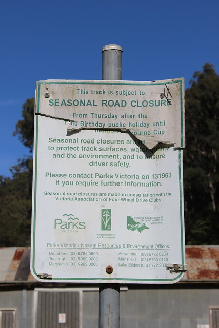 Sign explaining seasonal track closures in Rubicon Valley Historic Area