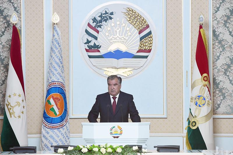 Лидер нации Эмомали Рахмон принял участие в заседании Центрального исполнительного комитета Народной Демократической Партии Таджикистана