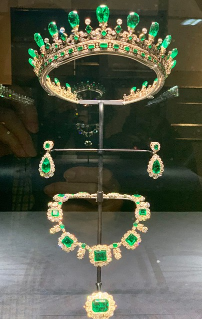 Queen Victoria's Emerald Tiara, Necklace, Earrings and Brooch (1843).  Exhibit in Kensington Palace.