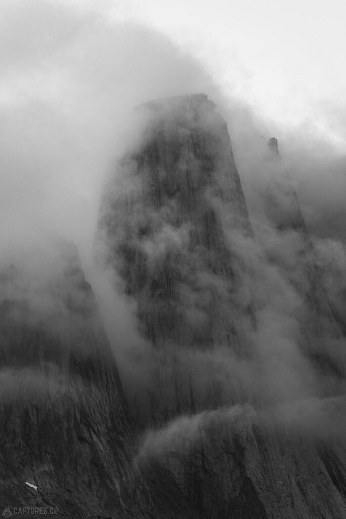 Cloudy peak bw - Tasermiut