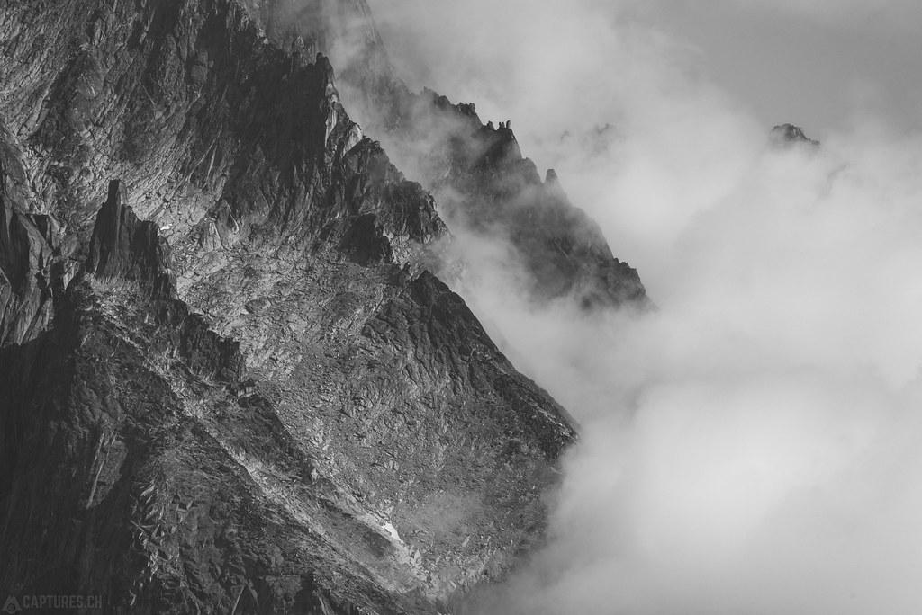 Shredded Peaks bw - Tasermiut