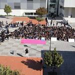 Sex, 27/09/2019 - 11:55 - A comunidade do Politécnico de Lisboa assinalou, no dia 27 de setembro de 2019, em vários locais, um manifesto em silêncio pelo clima. Entre as 11h00 às 11h11, vários estudantes, professores e não-docentes, vestidos de branco e preto, assinalaram, na Praça da Saúde da ESTeSL, no Campus de Benfica do IPL (ESCS, ESELx e ESML) e, no Auditório A do ISEL, um protesto de silêncio pela mudança imediata de comportamentos face às alterações climáticas e as suas consequências. Os '11' minutos simbolizam os anos que restam para limitar o aumento da temperatura global em 1.5º C e assim evitar grandes desastres ambientais.