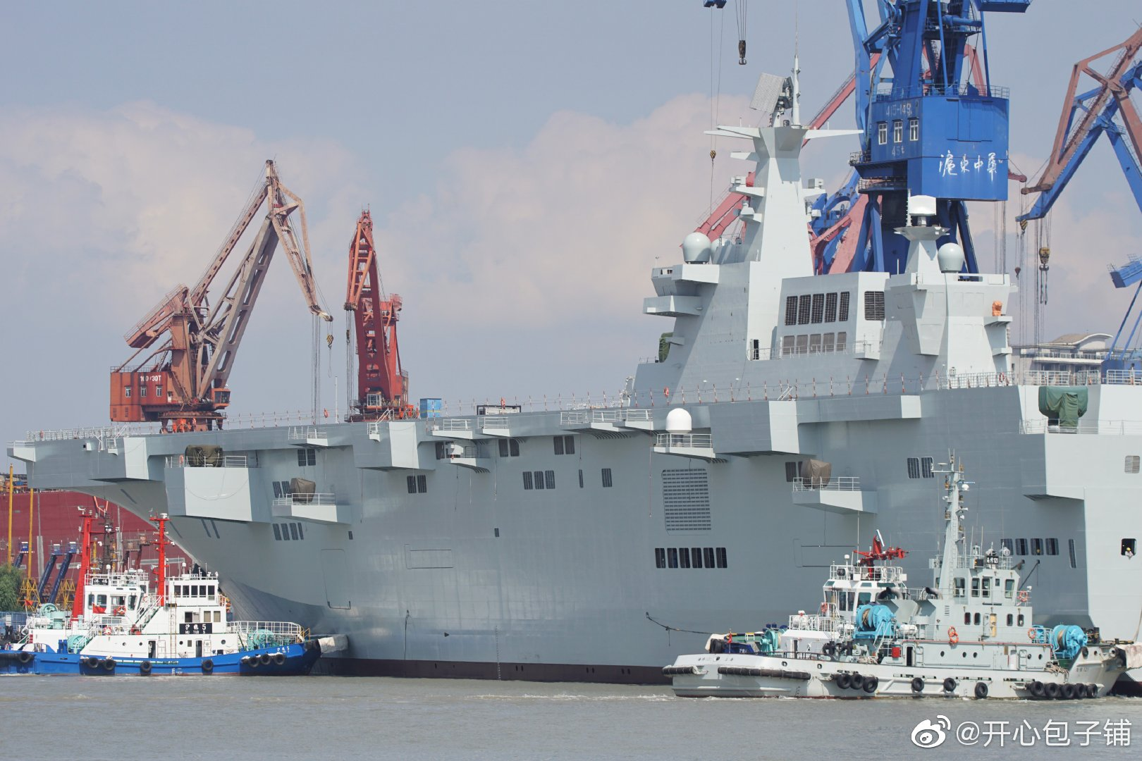 Type 075 landing helicopter dock (LHD) 48803484722_67478c2b86_o