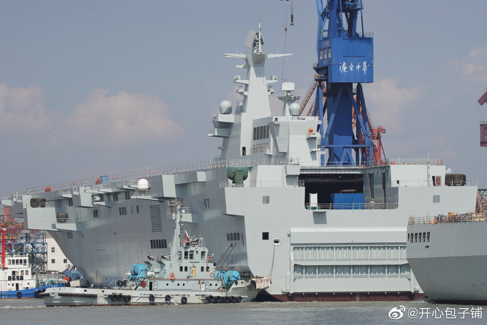 Type 075 landing helicopter dock (LHD) 48803484962_a7beec095d_o
