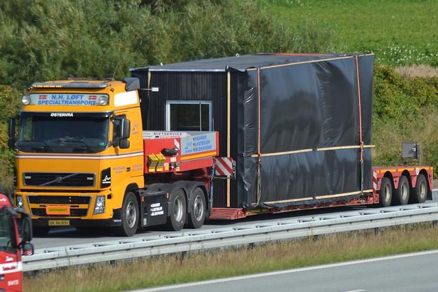 Volvo FH2 - Niels Helledie  Østervrå - N.H. Løft Specialtransport  - VK 96 951