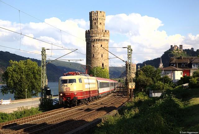 103 113-7 mit dem verspäteten IC118 von Innsbruck nach Münster(Westf.) Hbf in Oberwesel am 19.08.13