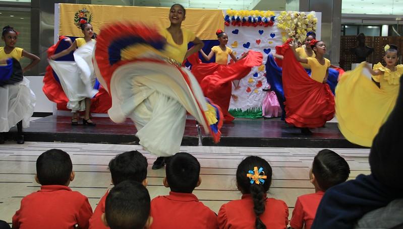 Con alegría y aplausos culminan actividades de bienvenida de Mi Casita Amarilla para sus estudiantes