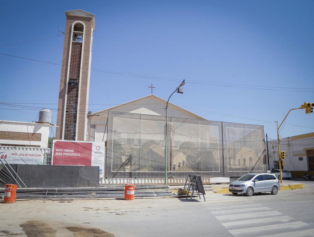 2019-09-27 PRENSA: Uñac Recorrió las Obras de Remodelacion de la Iglesia de Jachal