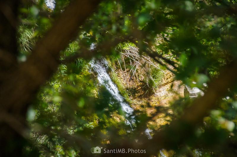 Pequeño salto de agua cerca de los Gorgs de Coaner