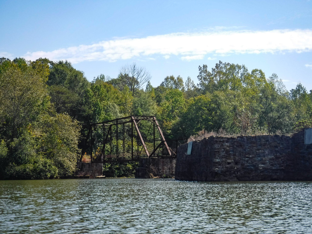 Exploring Berry Shoals Pond from Tygerberry