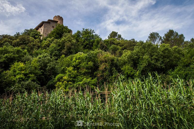 Masía de Can Serra y la Torre de Coaner