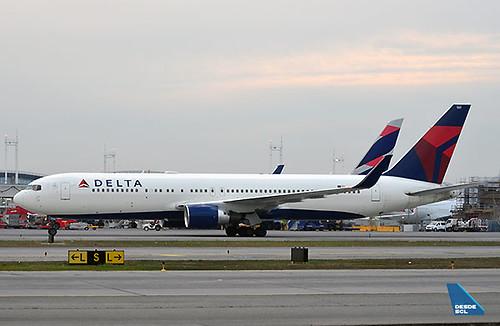 Delta B767-300ER LATAM tail (Maurice Becker)