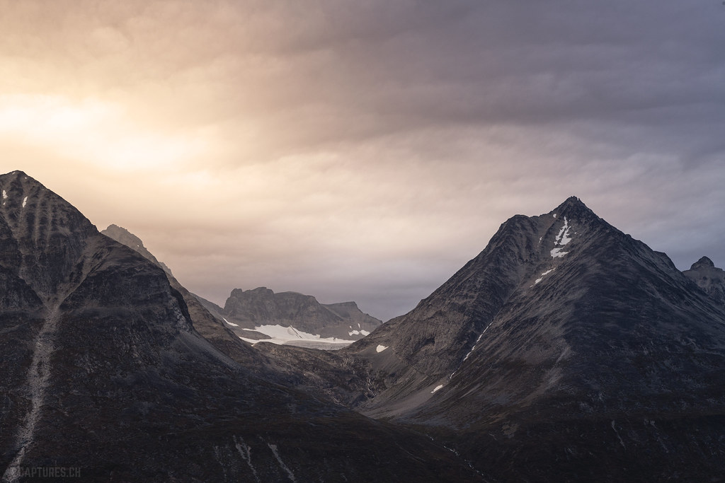 Light in the clouds - Tasermiut
