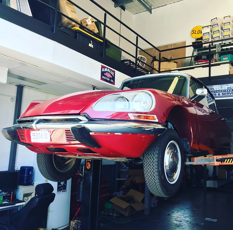 Citroen DS oil change