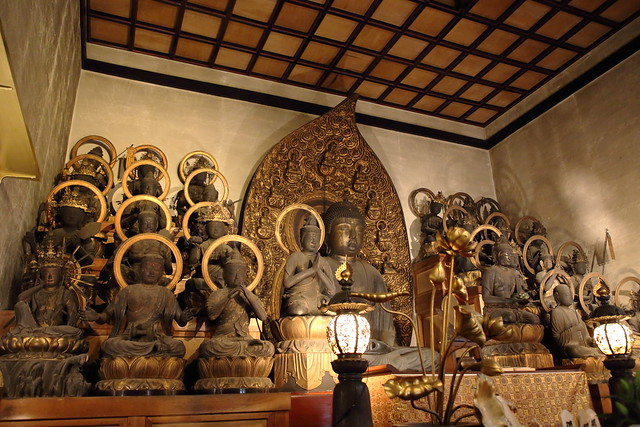 The wooden statues of 25 bodhisattvaes