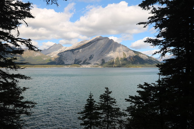 Upper kananaskis lake hike
