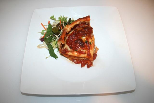 29 - Pizza-Torte - Serviert / Served