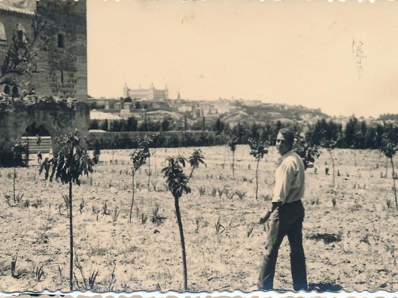 Plantación de frutales junto al Palacio de Galiana, años 60. Colección de Tomás García del Cerro