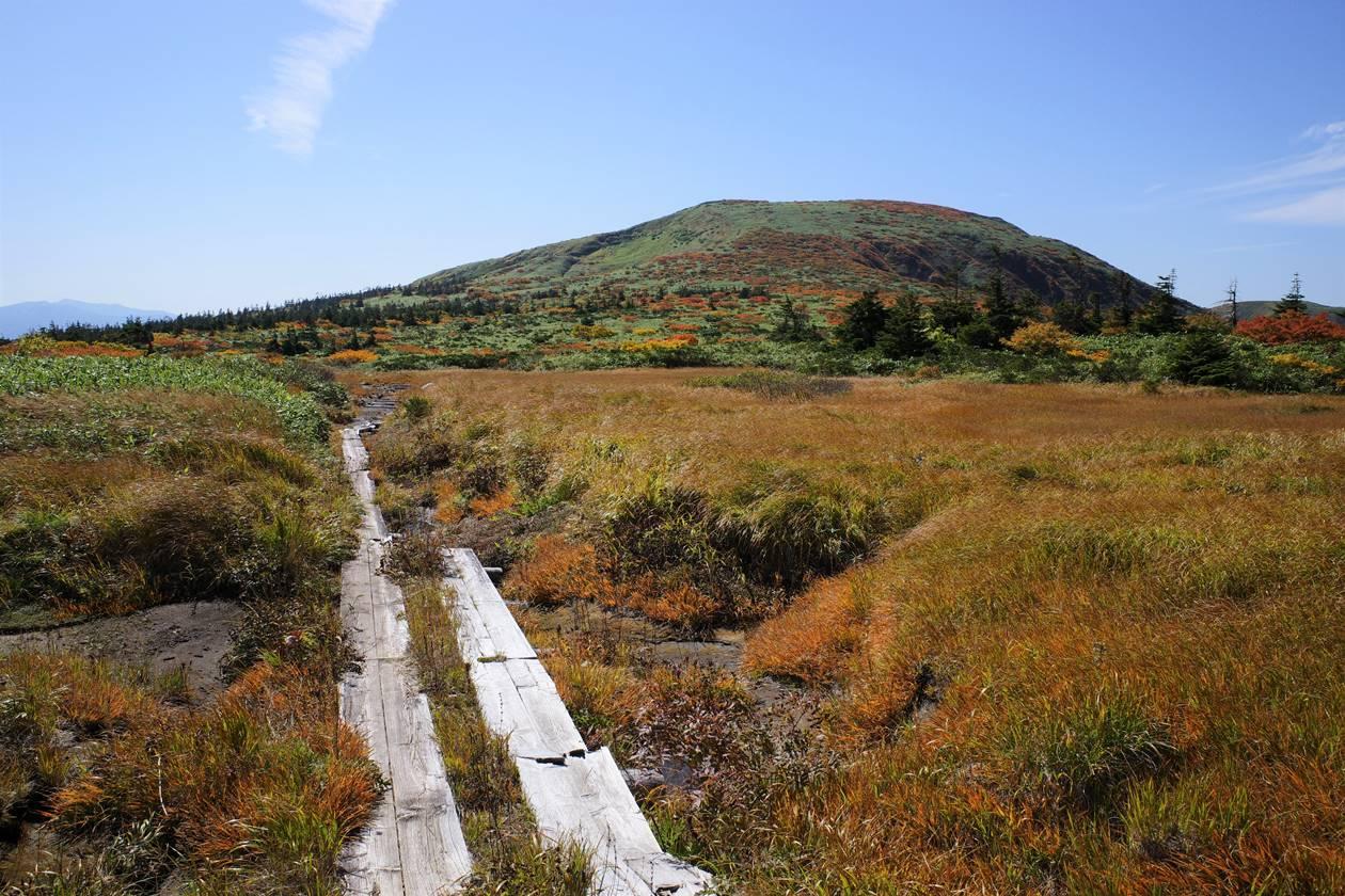 紅葉の秋田駒ヶ岳 熊見平と湯森山