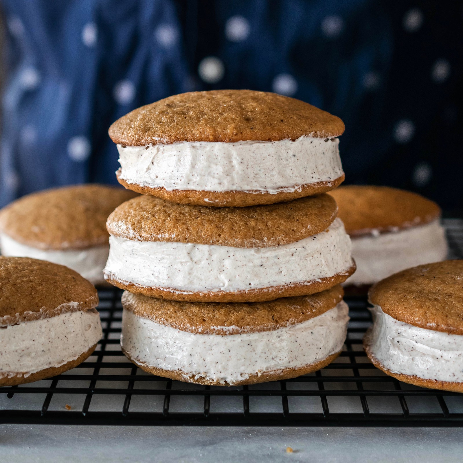 apple brown butter whoopie pies with chai marshmallow cream