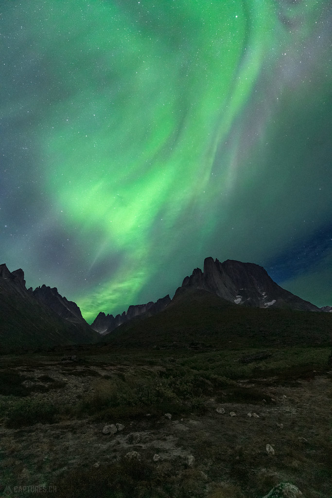Aurora Borealis over the mountains - Tasermiut