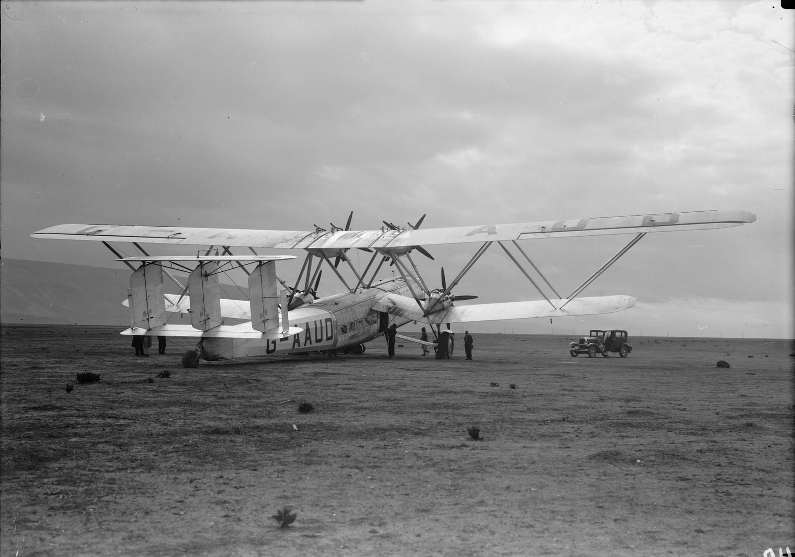 15. Первый полет самолета G-AAUD Hanno.  Самолет готов к взлету