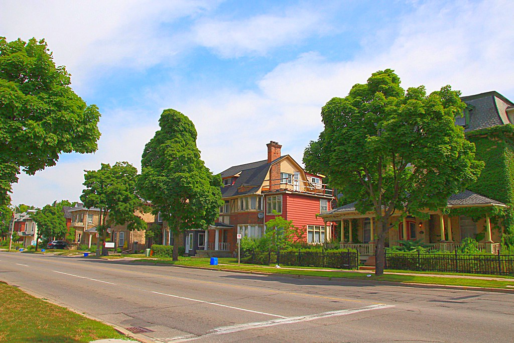Brantford Ontario - Canada  -  Brant Ave-- Heritage Conservation District  -  Architecture