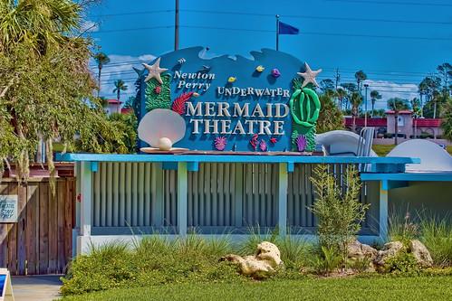 weekiwacheespringsstatepark 6131commercialway weekiwachee florida usa newtperry sunshinestate themepark centralflorida underwatercaves mermaids oldflorida touristattraction underwatershow buccaneerbay riverboatrides kayak paddleboard aquarium theater floridaparksystem waterpark mermaidtheatre