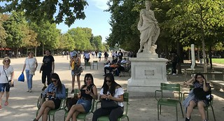 A day in the park, Paris