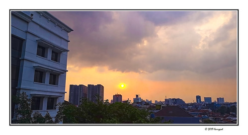 harrypwt smartphone huaweip20pro p20pro bandung indonesia city borders framed