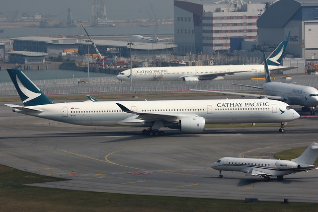 Cathay Pacific B-LXL
